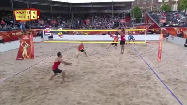حرکت بسیار زیبا در قهرمانی جهان 2015 (والیبال ساحلی)