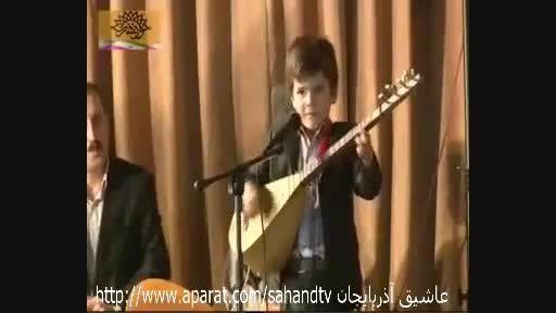 عاشیق کوچولوی 6 ساله عرفان قاسمی مینوازد Ashig