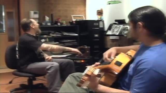 نواختن گیتار فلامینکو توسط رابرت و جیمز