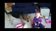 خنده ی بامزه بچه