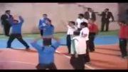 احمدی نژاد در حال فوتبال بازی کردن