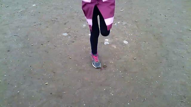 طناب زنی بصورت تک پا همراه با عوض کردن پاها