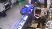 دزدی و محاکمه در محل سرقت توسط مردم