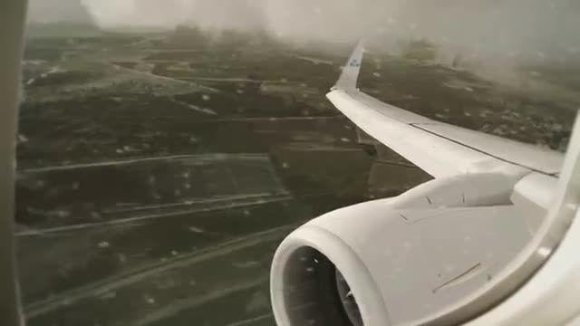 Image result for پرواز در هوای بارانی