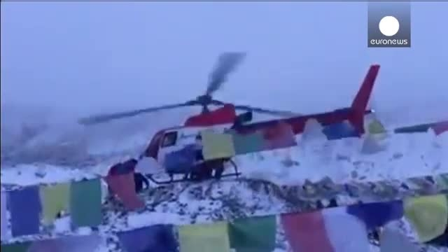 زلزله نپال امدادرسانی به کوهنوردان گرفتار در اورست