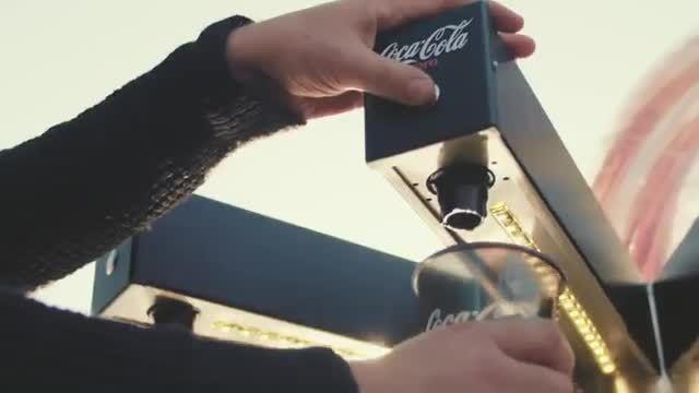 صدای نوشیدن کوکاکولا در پوسترهای تبلیغاتی -امروز آنلاین