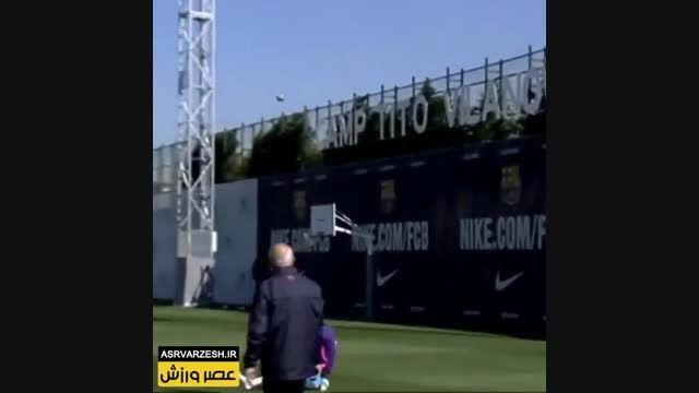 گل کردن توپ فوتبال درحلقه بسکتبال توسط مارتین مونتویا