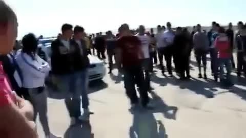 ته چرخ زدن موتورسوار جلوی پلیس و ضد حال زدن به پلیس :))