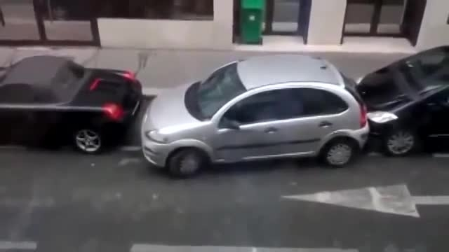 پارک کردن خانمها!