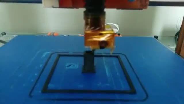 جعبه ی خانگی پرینتر سه بعدی