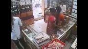 شکار لحظه سرقت ماهرانه زن هندی  در مغازه جواهرفروشی