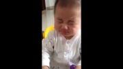 لیمو خوردن بچه ی کره ای
