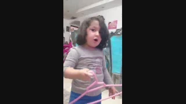 ویونا/کودک 3 ساله ی دوزبانه