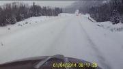 تصادف با کامیون در جاده برفی