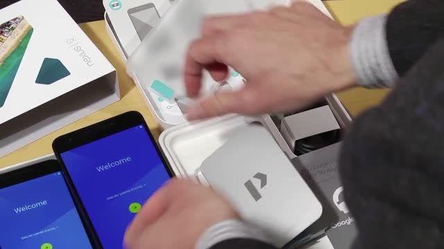 Unboxing the Google Nexus 5X and Nexus 6P
