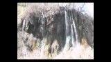 نمایی از زیبایی آب و صخره