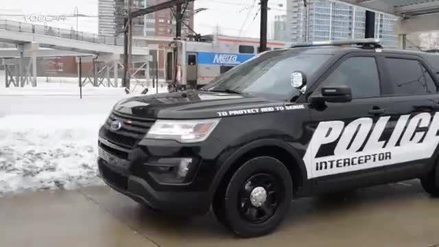 اتومبیل راه گیر فورد پلیس