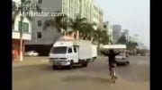 حمل تشک با دوچرخه در چین به شکلی شگفت انگیز