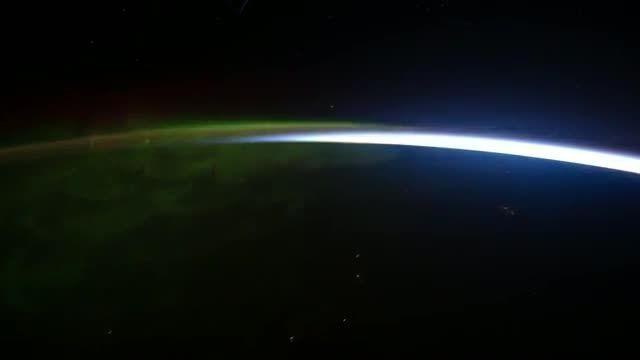 صحنه های زیبای شفق قطبی از فضا