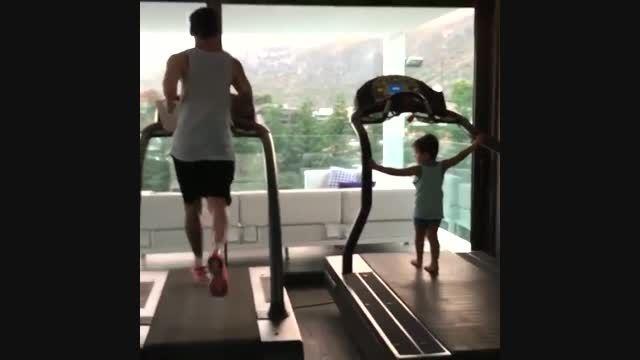مسی و پسرش تیاگو ورزش میکنن!پست همسر مسی