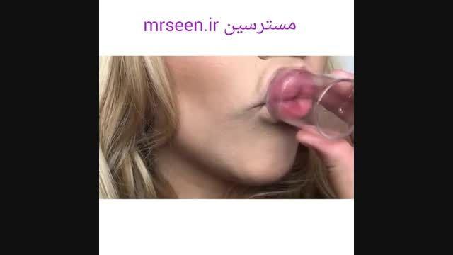 حجم دهندگی به لب با لیوان