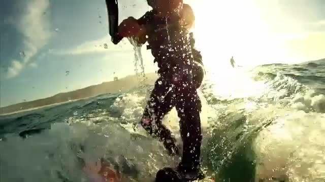 موج سواری همراه با موج های خطرناک 27 متری