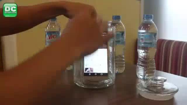 تست ضد آب بودن گوشی ال جی V10