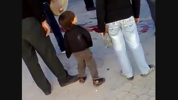 رقص بچه در روز عاشورا --- بچه رو تربیت نکرده