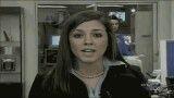 سوتی شدن حضور یک زن در پشت گوینده خبر