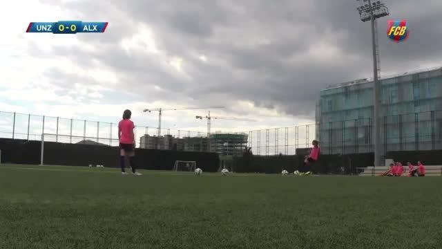 چالش تیر دروازه بازیکنان زن بارسلونا