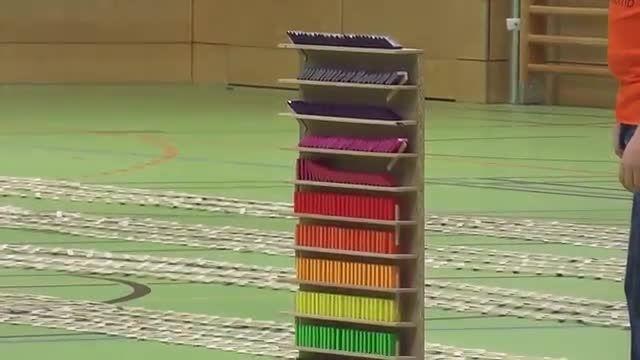 بمب پیچ در پیچ ،تشکیل شده از 30هزارتا چوب