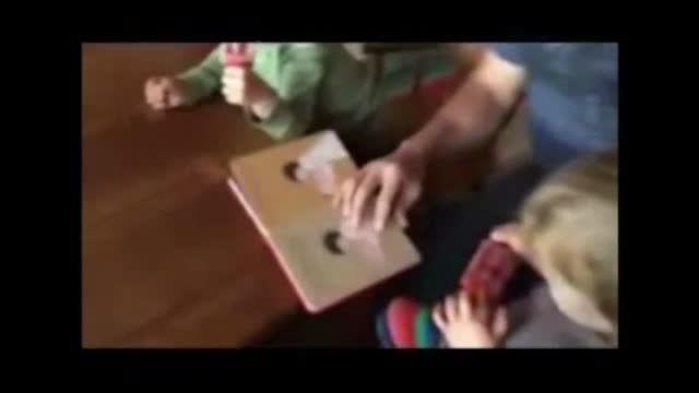 میشا واسه بچه هاش داستان تعریف میکنه :)