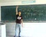 رقص باحال یک پسر در مدرسه