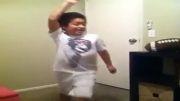 رقص پسر بچه خیلی باحال
