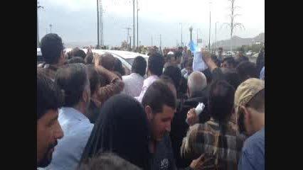 احمدی بت شکن، بت بزرگ رو بشکن