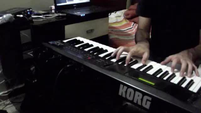 نوازندگی با سینت سایزر Korg X5D