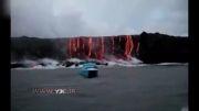 فوران آتشفشان در دریا