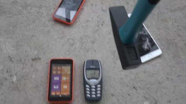 تست ضربه گوشی های نوکیا لومیا 530 و نوکیا 3310