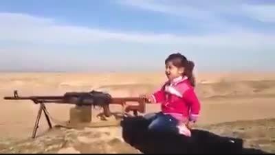 دختر کوچولوی کورد، تک تیرانداز ضد داعشی -عراق-سوریه