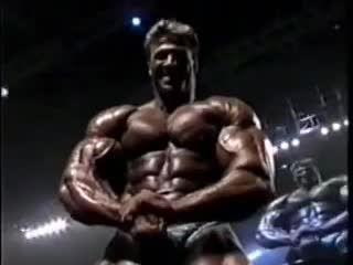 IFBB PRO MR. OLYMPIA 2002 POSEDOWN!!!