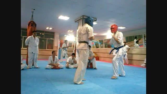 مبارزه زیبای کیوکوشین در باشگاه شروین.1