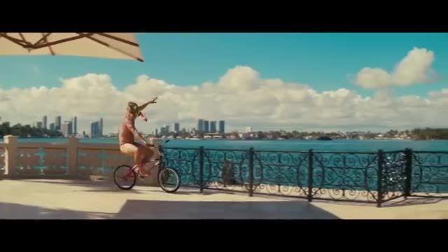 تریلر رسمی فیلم بطری ساحلی ( The Beach Bum 2019)