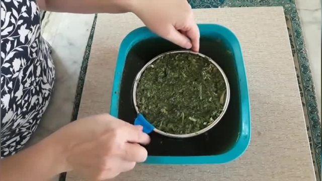طرز تهیه قورمه سبزی با سبزی خشک