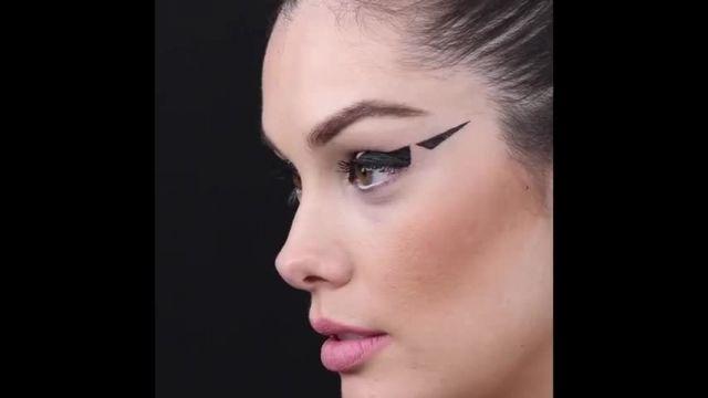 فیلم آموزش میکاپ 14 ترفند دخترانه از آرایش لب تا خط چشم