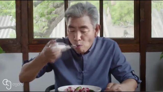 ایگرد | قاشقی که غذا خوردن را برای بیماران پارکینسونی آسان می کند