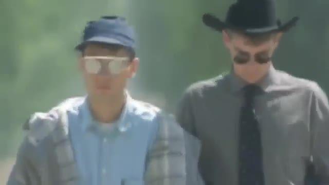 موزیک ویدیو خارجی Suburbia از گروه انگلیسی Pet Shop Boys