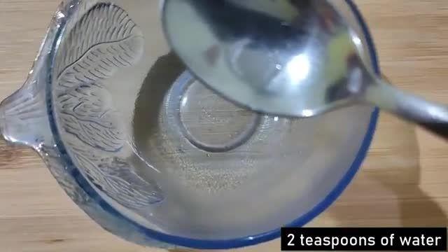 معرفی نکات کلیدی سلامت - نحوه استفاده از روغن درخت چای برای آکنه در چند دقیقه