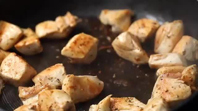 ترفندهای کاربردی آشپزی - طرز تهیه پای کلم بروکلی و پنیر در چند دقیقه
