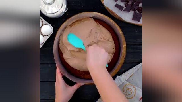 دستورالعمل کیک شکلاتی سه لایه بهترین دسر خوشمزه!