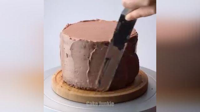 آموزش طرز تهیه تزیین کیک شکلاتی در چند دقیقه